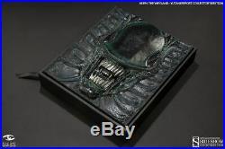 Aliens The Weyland-Yutani Report Collectors Edition Alien Book Sideshow RARE