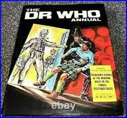 DOCTOR WHO Annual 1969 h/b book 2nd Patrick Troughton (1968/1970) 3rd Dr