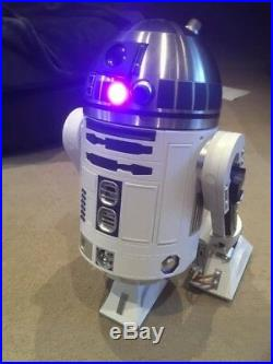Deagostini Build Your Own R2D2. Star Wars R2D2 Robot with 100 magazines