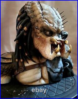PREDATOR BUST 13 scale statue Custom Rare Nt Alien Cinemaquette + Sideshow Book