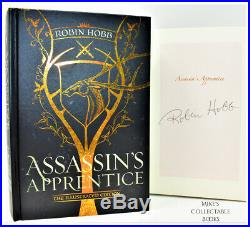 SIGNED! Assassin's Apprentice Illustrated Ed Farseer Book Robin Hobb NEW +COA