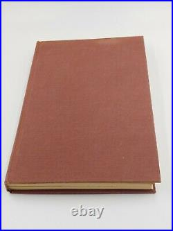 Stephen King Dark Tower The Gunslinger 1st Edition Grant 1982 Hardcover Book